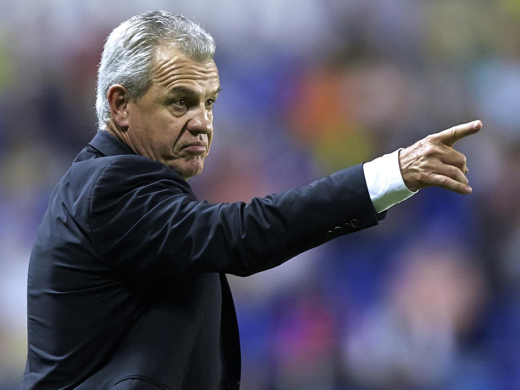 VALENCIA, SPAIN - OCTOBER 26: Head coach Javier Aguirre of Espanyol reacts during the La Liga match between Levante UD and RCD Espanyol at Estadio Ciutat de Valencia on October 26, 2013 in Valencia, Spain. (Photo by Manuel Queimadelos Alonso/Getty Images)