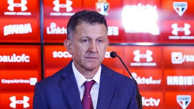 Osório apos alguns entreveros com a diretoria do São Paulo, decidiu  treinar a selecao mexicana