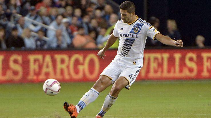Gonzalez foi uma vez o garoto-propaganda para os jogadores talentosos dos EUA que se hospedaram no MLS, em vez de sair para jogar no exterior.