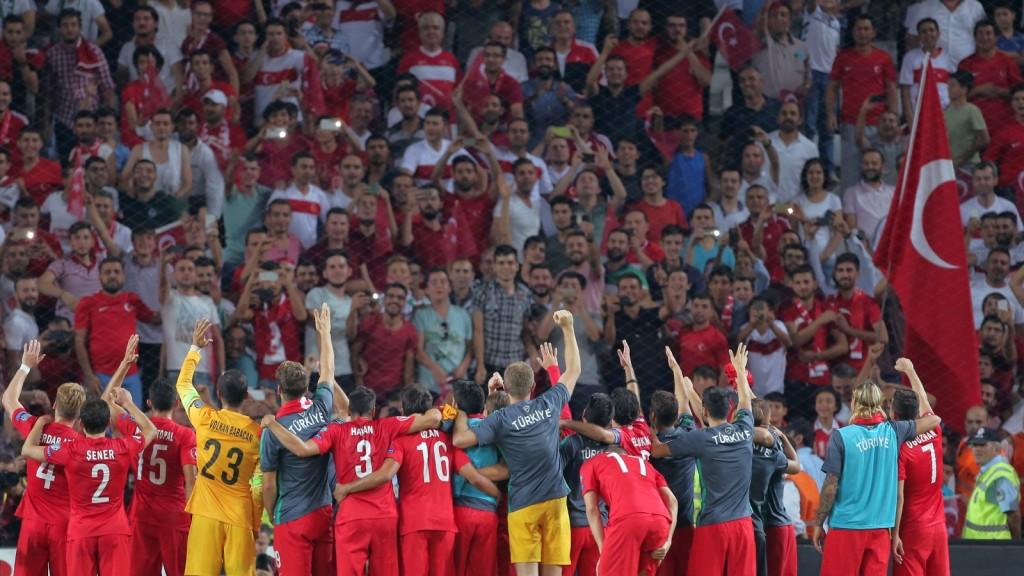 Turkey Netherlands Euro Soccer
