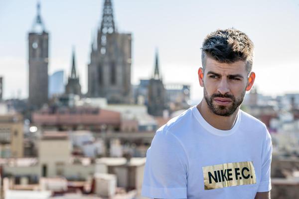 SU16_Nike_FC_Pique_1_native_600