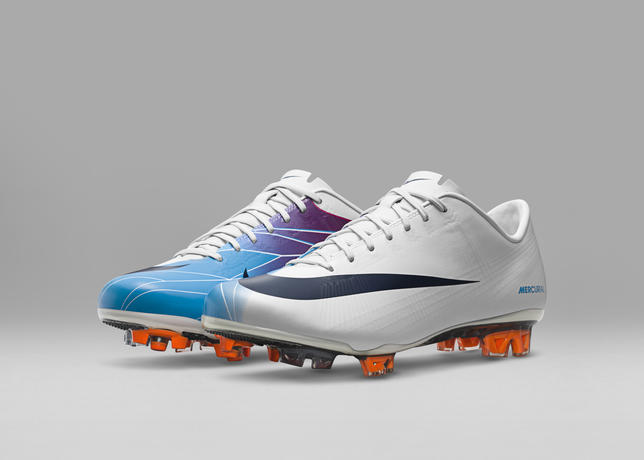 2011_Nike_Mercurial_Vapor_Superfly_II_55733
