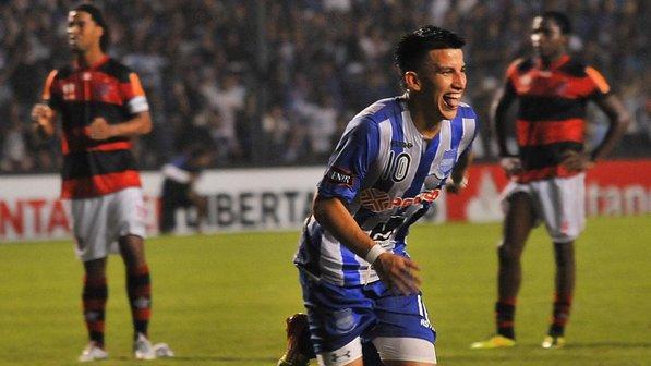 Na única vez em que enfrentou o Emelec-EQU na Libertadores, em 2012, Flamengo, que contava com Ronaldinho Gaúcho, foi eliminado na fase de grupos