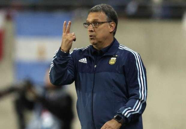Martino tinha uma personalidade diferente e ninguém conseguia fazer o treinador mudar suas idéias.