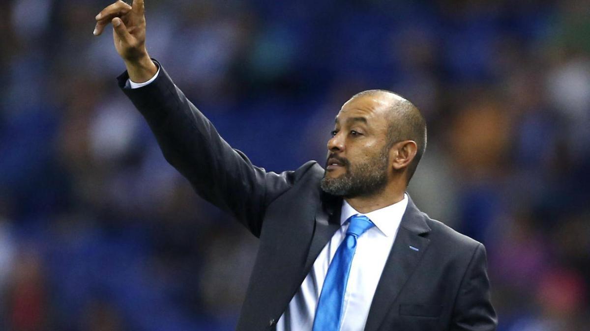 Nuno aceitou o cargo no Porto e já começa com pressão.