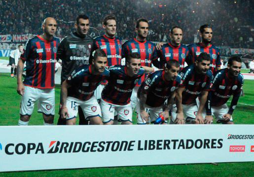 Elenco histórico que conquistou a primeira e única Libertadores do clube.