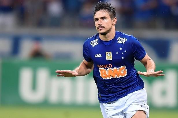 0120be89aaf0c O atacante Willian pode trocar de ares na próxima temporada. Bicampeão  brasileiro com o Cruzeiro em 2013 e 2014