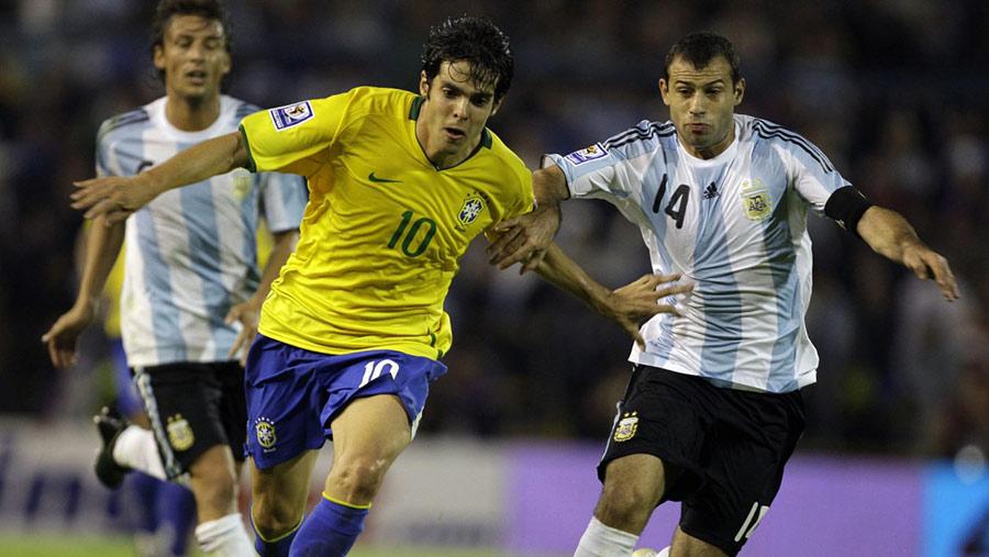 brazil-argentina-2009-kaka-mascherano