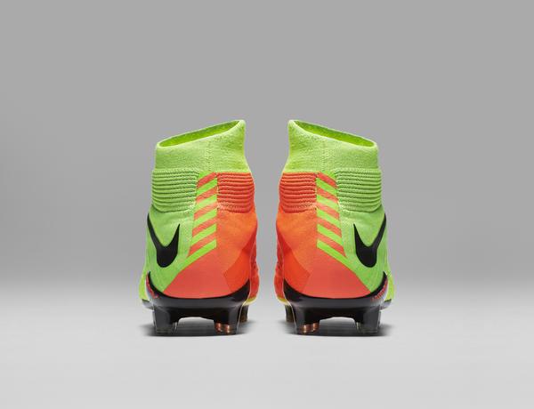 A Hypervenom 3 é a primeira chuteira da Nike Futebol a usar tecnologia  Flyknit em designs de cano baixo 0a7282e8610b6
