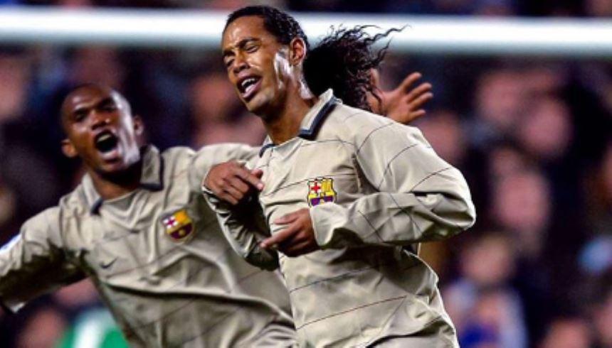 Ronaldinho Gaúcho Barcelona Uniforme diferente