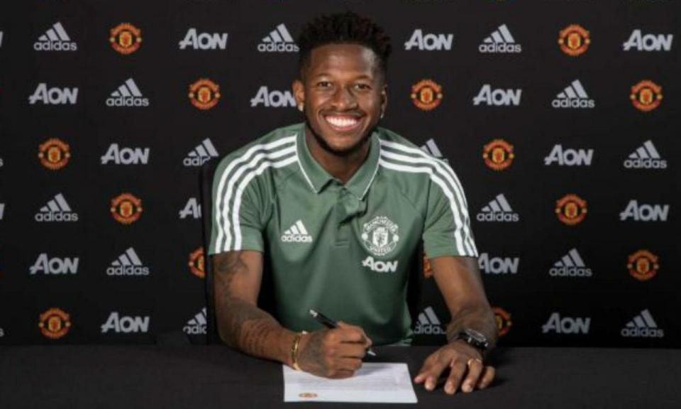 Fred Assina pelo Manchester United